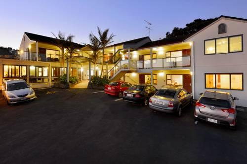 hotel Whangaparaoa Lodge