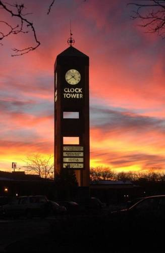 hotel Clock Tower Resort and Conference Center - Rockford