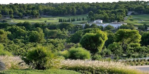 hotel Las Colinas Golf & Country Club Residences