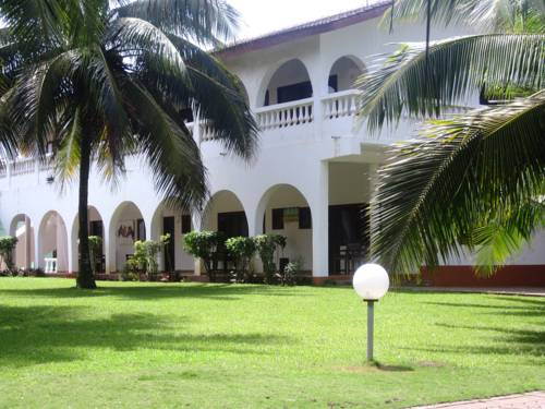hotel Coconut Grove Beach Resort