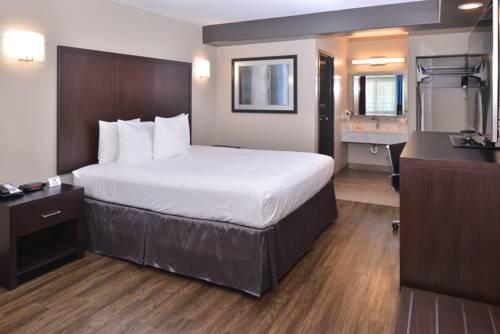 hotel Tarzana Inn