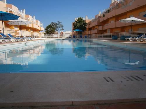 hotel Royal Cabanas Golf by Amandio Batista