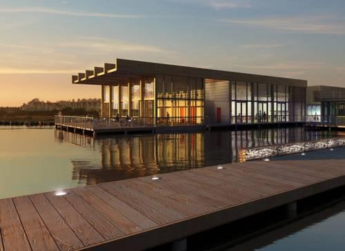 hotel Crosby Lakeside Adventure Centre