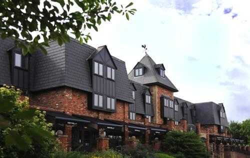 hotel Village Hotel Warrington