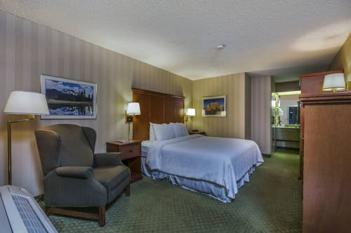 hotel Bend Inn and Suites