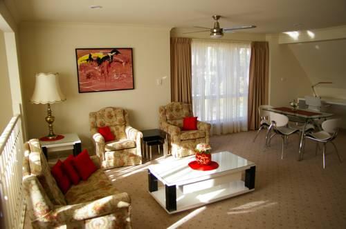 hotel Canberra accommodation deakin