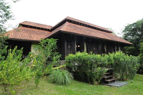 hotel Kuang Kampung Retreat @ Sungai Buloh, Kuala Lumpur