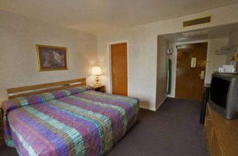 hotel Budgetel Inn and Suites - Glen Ellyn