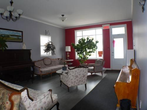 hotel Auberge Jeunesse à Loulou
