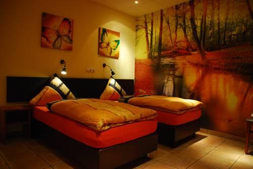 hotel HOTEL GARNI ZUM SCHWAN WEILERSWIST-METTERNICH