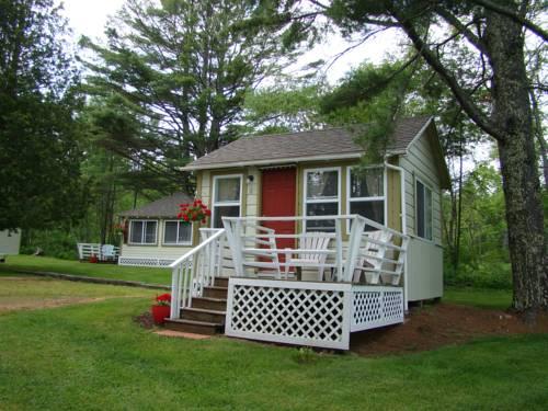 hotel Bay Leaf Cottages & Bistro