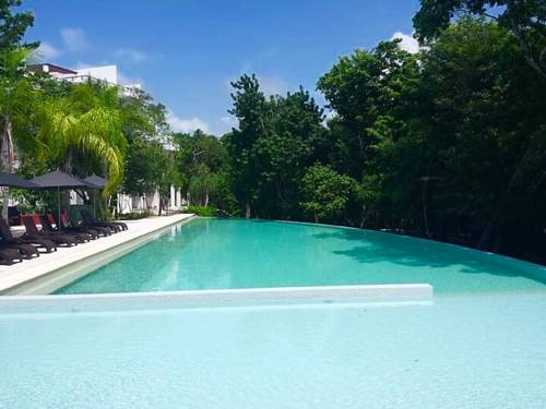 hotel Tao Condo in Paradise