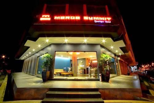 hotel Merge Summit Hotel