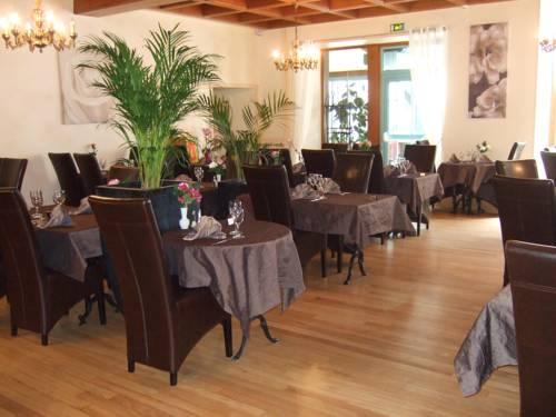 hotel Logis L'Ecu De France