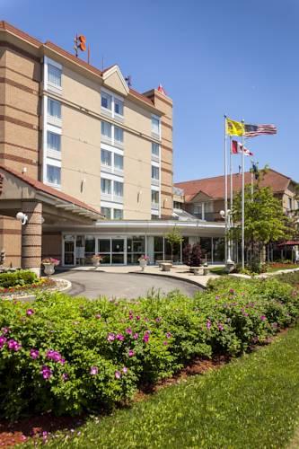 hotel Monte Carlo Inn Airport Suites