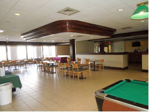 hotel Days Inn & Suites Elyria