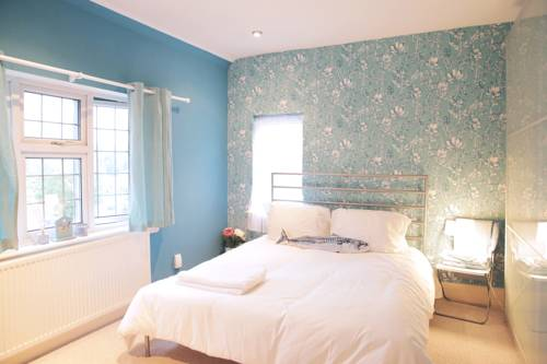 hotel Birmingham 5 Bedroom Detached Home