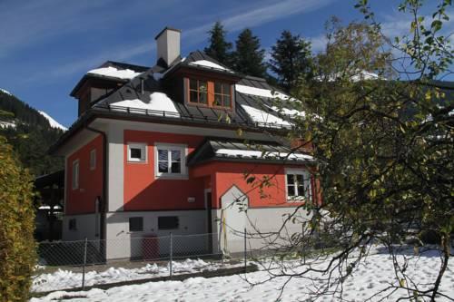 hotel Villa Schnuck - das rote Ferienhaus