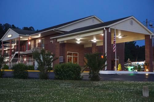 hotel Star Plus Inn & Suites