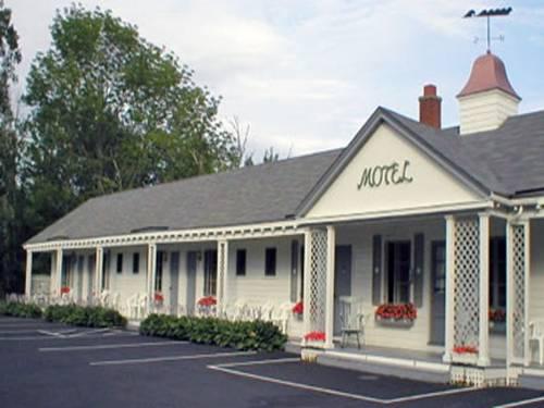 hotel Eden Village Motel and Cottages