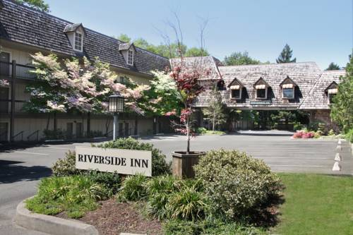 hotel Riverside Inn