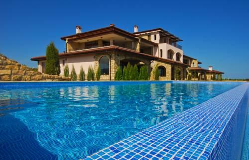 hotel Club Residence at BlackSeaRama Golf
