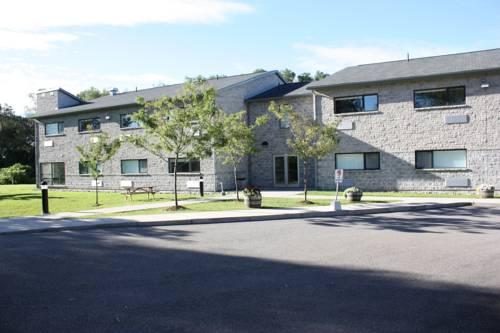 hotel St. Lawrence College Residence Brockville
