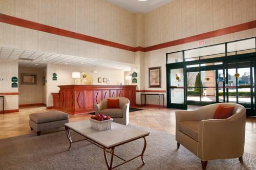 hotel Wingate by Wyndham Vienna/Parkersburg