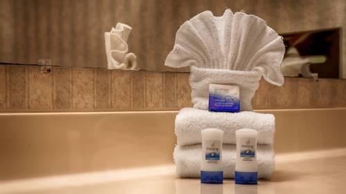 hotel Best Western PLUS Rama Inn & Suites