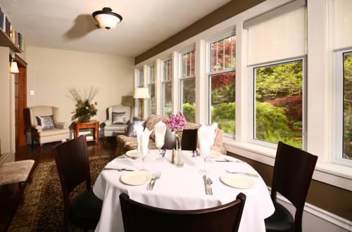 hotel Kettle Creek Inn