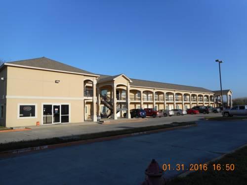 hotel Crossroads Inn & Suites