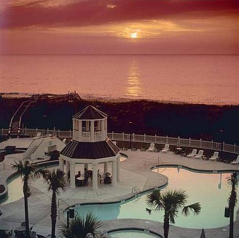 hotel Litchfield Beach & Golf Resort