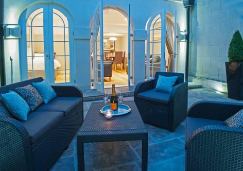 hotel Bath Circle