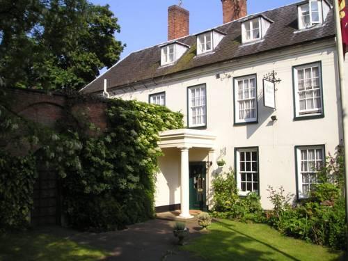 hotel Chapel House