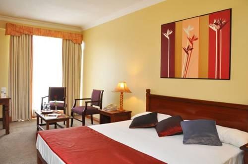 hotel Gold Crest Hotel