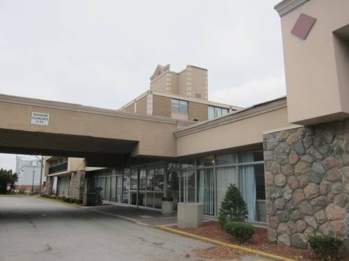 hotel Toronto Plaza Airport Hotel