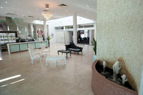 hotel Sfera's Park Suites & Convention Centre