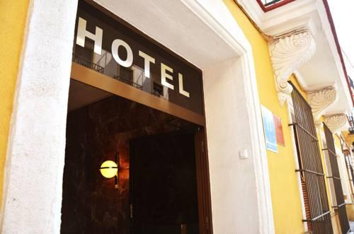 hotel Hotel El Coloso