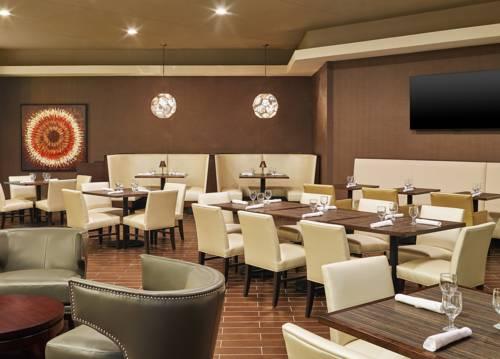 hotel Sheraton Lisle Hotel