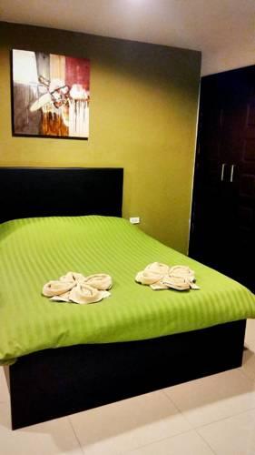 hotel Thanarom Place