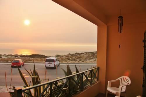 hotel Supertubos Beach Hostel
