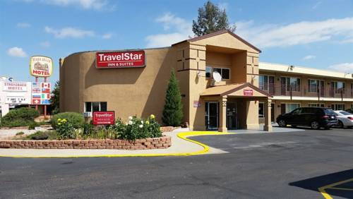 hotel TravelStar Inn & Suites
