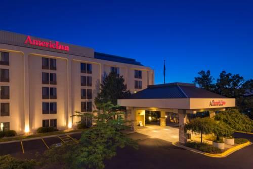 hotel AmericInn Madison West