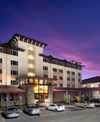 hotel Seven Feathers Casino Resort