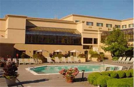 hotel Monarch Hotel & Conference Center