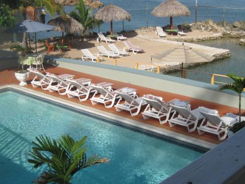 hotel Pipers Cove Resort