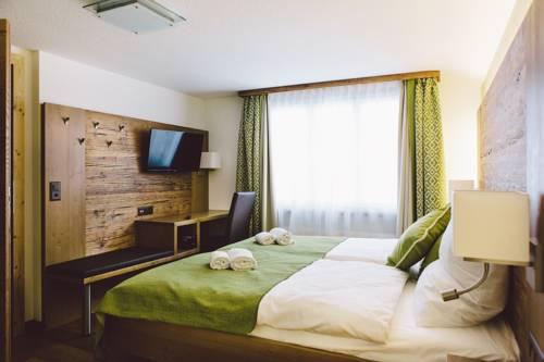 hotel Baeren Restaurant & Rooms
