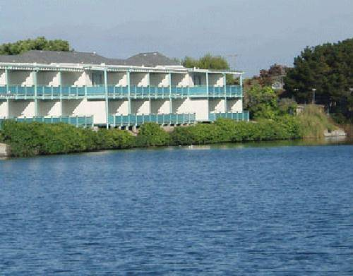 hotel Coral Reef Inn & Condo Suites