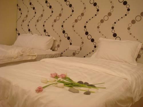 hotel In@Hotel