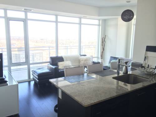 hotel Square One Fully Furnished Suite